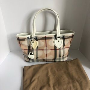 Burberry nova heart check bag